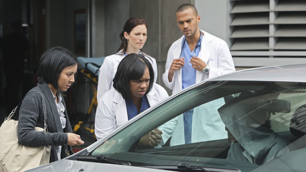 "GREY'S ANATOMY - ""Superfreak"" - When Derek receives an unexpected and unwelcome visit from his estranged sister, Amelia, issues between the siblings -- both past and present -- come to the surface; the Chief tries to help Alex when he notices that he's refusing to use the elevators after his near-fatal shooting; and Meredith and Derek continue their efforts to ease Cristina back into surgery after her post-traumatic stress, on ""Grey's Anatomy,"" THURSDAY, OCTOBER 7 (9:00-10:01 p.m., ET) on the ABC Television Network. (ABC/DANNY FELD)JOLENE KIM, CHANDRA WILSON, CHYLER LEIGH, JESSE WILLIAMS, ART CHUDABALA (IN CAR)"