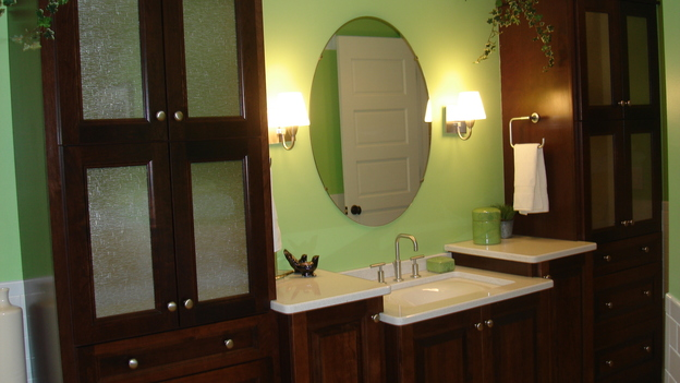 EXTREME MAKEOVER HOME EDITION - &quot;Oatman-Gaitan Family&quot; - Bathroom, on &quot;Extreme Makeover Home Edition,&quot; Sunday, May 20th on the ABC Television Network.