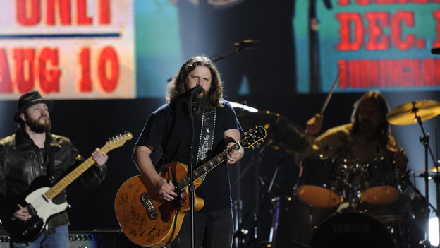 "THE 43rd ANNUAL CMA AWARDS - THEATRE - ""The 43rd Annual CMA Awards"" broadcast live from the Sommet Center in Nashville, WEDNESDAY, NOVEMBER 11 (8:00-11:00 p.m., ET) on the ABC Television Network. (ABC/KATHERINE BOMBOY)JAMEY JOHNSON"