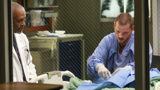 "GREY'S ANATOMY - ""Where the Wild Things Are"" - Six weeks after Derek and Meredith ended their relationship and Derek began dating Rose, Meredith and her fellow residents, Alex, Izzie and Cristina, compete in a surgical contest, with Bailey serving as judge. Meanwhile interns George and Lexie adjust to their new, squalid apartment, and Callie finds a friend in her roommate Cristina's nemesis, Erica Hahn, on ""Grey's Anatomy,"" THURSDAY, APRIL 24 (9:00-10:01 p.m., ET) on the ABC Television Network. (ABC/RON TOM)JAMES PICKENS JR., JUSTIN CHAMBERS"
