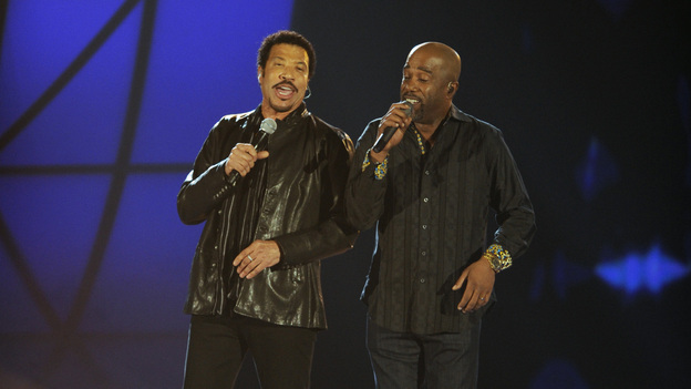 "THE 45th ANNUAL CMA AWARDS - THEATRE - ""The 45th Annual CMA Awards"" broadcast live on ABC from the Bridgestone Arena in Nashville on WEDNESDAY, NOVEMBER 9 (8:00-11:00 p.m., ET). (ABC/KATHERINE BOMBOY-THORNTON)LIONEL RICHIE, DARIUS RUCKER"