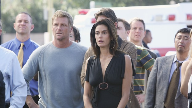 "DESPERATE HOUSEWIVES - ""Bang"" -Susan and Tom are worried about their respective loved ones, on ""Desperate Housewives,"" SUNDAY, NOVEMBER 5 (9:00-10:01 p.m., ET) on the ABC Television Network.  (ABC/DANNY FELD) DOUG SAVANT, TERI HATCHER"