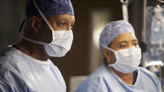 Social Surgery? Social Media and Medicine Collide