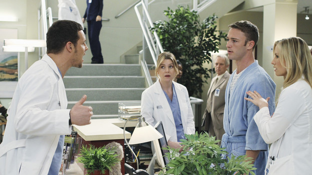 "GREY'S ANATOMY - ""Sympathy for the Parents"" - When Alex's younger brother, Aaron, shows up at Seattle Grace-Mercy West with a hernia, it's up to Alex to get Bailey's approval for his pro bono surgery. Matters are further complicated when Aaron discloses that his family has not heard from Alex since he arrived in Seattle, and parts of Alex's past long kept secret are revealed to his friends and fellow doctors, on ""Grey's Anatomy,"" THURSDAY, APRIL 1 (9:00-10:01 p.m., ET) on the ABC Television Network. (ABC/RON TOM)JUSTIN CHAMBERS, ELLEN POMPEO, JAKE MCLAUGHLIN, CHYLER LEIGH"