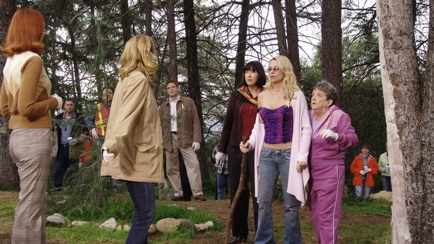 DESPERATE HOUSEWIVES - &quot;Move On&quot; - Edie organizes a neighborhood search for the missing Mrs. Huber, just as the absent busybody's sister (guest star Harriet Sansom Harris) arrives on Wisteria Lane. Meanwhile, Bree resigns herself to her marital state and asks an attractive pharmacist (Tony Award-winning actor Roger Bart) on a date; Susan's ex, Karl (guest star Richard Burgi), suddenly reappears in her life; Lynette fears that Tom is attracted to the new nanny (guest star Marla Sokoloff); and Gabrielle sinks to new depths - she gets a job -- on &quot;Desperate Housewives,&quot; SUNDAY, JANUARY 9 (9:00-10:00 p.m., ET), on the ABC Television Network. (ABC/DANNY FELD)MARCIA CROSS, FELICITY HUFFMAN, DOUG SAVANT, HARRIET SANSOM HARRIS, NICOLLETTE SHERIDAN, PAT CRAWFORD BROWN
