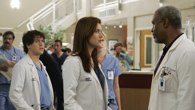 "GREY'S ANATOMY - ""It's the End of the World (As We Know It)"" (ABC/PETER ""HOPPER"" STONE)T.R. KNIGHT, KATE WALSH, KATHERINE HEIGL, JAMES PICKENS, JR."