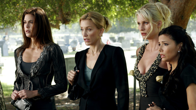 "DESPERATE HOUSEWIVES - ""They Asked Me Why I Believe in You"" -- Susan's longtime book agent and dear friend, Lonny Moon (guest star Wallace Shawn), gets into financial trouble; Lynette is forced to go out to bars night after night with her man-hungry boss, Nina (guest star Joely Fisher); Bree re-buries Rex amid police suspicions, and Gaby hires hotshot lawyer David Bradley (guest star Adrian Pasdar) to defend Carlos, on Desperate Housewives,"" SUNDAY, OCTOBER 23 (9:00-10:01 p.m., ET) on the ABC Television Network. (ABC/RON TOM)TERI HATCHER, FELICITY HUFFMAN, NICOLLETTE SHERIDAN, EVA LONGORIA"
