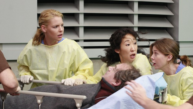 "GREY'S ANATOMY - ""Crash Into Me -- Part One"" - An ambulance crash endangers the lives of the paramedics involved, as Meredith and the Chief work on-site to save them, Bailey treats a patient who refuses her help, and Ava returns for Alex and meets his other girlfriend in the process, on ""Grey's Anatomy,"" THURSDAY, NOVEMBER 22 (9:00-10:02 p.m., ET) on the ABC Television Network. (ABC/RON TOM) KATHERINE HEIGL, SANDRA OH, JOHN BILLINGSLEY, ELLEN POMPEO"