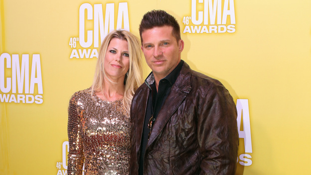 THE 46TH ANNUAL CMA AWARDS - RED CARPET ARRIVALS - &quot;The 46th Annual CMA Awards&quot; airs live THURSDAY, NOVEMBER 1 (8:00-11:00 p.m., ET) on ABC live from the Bridgestone Arena in Nashville, Tennessee. (ABC/SARA KAUSS)STEVE BURTON