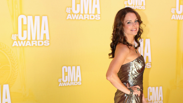 "THE 46TH ANNUAL CMA AWARDS - RED CARPET ARRIVALS - ""The 46th Annual CMA Awards"" airs live THURSDAY, NOVEMBER 1 (8:00-11:00 p.m., ET) on ABC live from the Bridgestone Arena in Nashville, Tennessee. (ABC/SARA KAUSS)KIMBERLY WILLIAMS-PAISLEY"