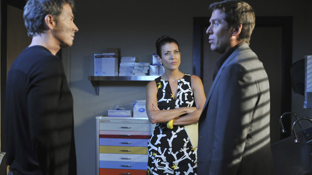"PRIVATE PRACTICE - ""Serving Two Masters"" - Addison treats two pregnant women who unknowingly share the same husband, a visit from an Alzheimer's patient and her loving husband forces Sam and Naomi to look at their own relationship, Violet confronts Charlotte about her relationship with Cooper, and Dell reveals a very special woman in his life to his surprised co-workers, on ""Private Practice,"" WEDNESDAY, NOVEMBER 19 (9:00-10:01 p.m., ET) on the ABC Television Network. (ABC/ERIC MCCANDLESS)TIM DALY, KATE WALSH, ALEXIS DENISOF"