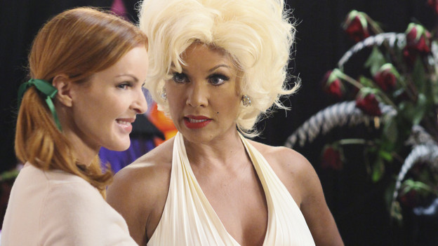 DESPERATE HOUSEWIVES - &quot;Excited and Scared&quot; - As Halloween approaches, Susan is forced to reveal her secret, sexy internet side job to a shocked Mike; Juanita becomes suspicious of Gabrielle's sudden interest in Grace; Lynette becomes concerned about Tom's mother's memory lapses; Bree learns a secret about Keith; and Paul is encouraged to take wife Beth out on a date in order to light a spark in their unromantic relationship, on &quot;Desperate Housewives,&quot; SUNDAY, OCTOBER 31 (9:00-10:01 p.m., ET) on the ABC Television Network. (ABC/DANNY FELD)MARCIA CROSS, VANESSA WILLIAMS