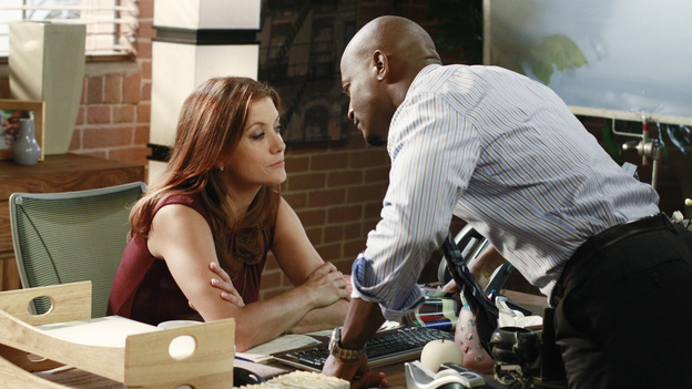 "PRIVATE PRACTICE - ""Remember Me"" - Cooper receives the surprise of his life when a woman from his past arrives at the practice; Addison consults her patient, Jodi, who is eight and half months pregnant and suffering from severe memory loss after a traumatic car accident; and Sheldon and Violet clash when their patient, Jodi's husband, Zach, considers leaving his wife and taking the baby with him, on ""Private Practice,"" THURSDAY, OCTOBER 20 (10:02-11:00 p.m., ET) on the ABC Television Network. (ABC/RON TOM)KATE WALSH, TAYE DIGGS"