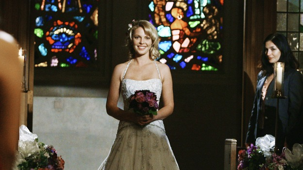 "GREY'S ANATOMY - ""What a Difference a Day Makes"" - Here comes the bride! Izzie Stevens walks down the aisle, on ""Grey's Anatomy,"" THURSDAY, MAY 7 (9:00-10:02 p.m., ET) on the ABC Television Network. KATHERINE HEIGL"