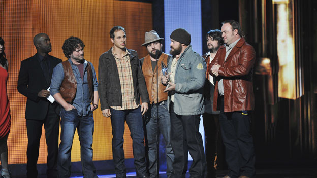 "THE 44TH ANNUAL CMA AWARDS - THEATRE - ""The 44th Annual CMA Awards"" were broadcast live from the Bridgestone Arena in Nashville, WEDNESDAY, NOVEMBER 10 (8:00-11:00 p.m., ET) on the ABC Television Network. (ABC/KATHERINE BOMBOY)DARIUS RUCKER, ZAC BROWN BAND"