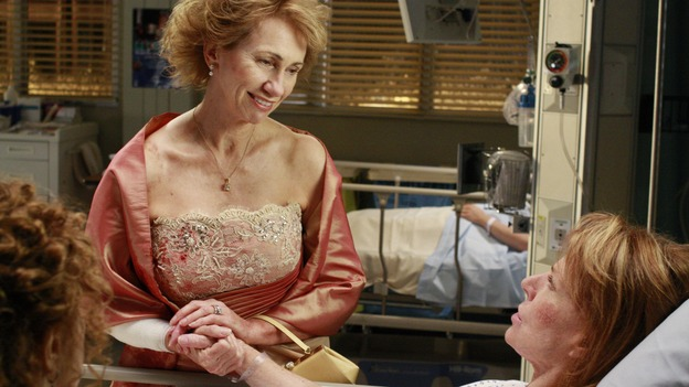 "GREY'S ANATOMY - ""Dream a Little Dream of Me"" - Three middle-aged women and their husbands are in a terrible traffic accident, on ""Grey's Anatomy,"" THURSDAY, SEPTEMBER 25 (9:00-11:00 p.m., ET) on the ABC Television Network. (ABC/RON TOM) KATHY BAKER, MARIETTE HARTLEY"