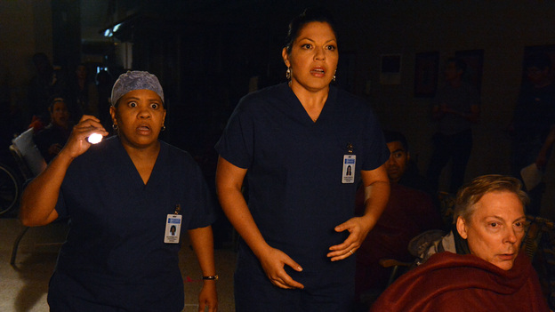 "GREY'S ANATOMY - ""Perfect Storm"" - Grey Sloan Memorial Hospital enters crisis mode as the storm rages, resources become scarce and patients flood in by the busload. Meanwhile, one of the doctors fights for their life, on the Season Finale of ""Grey's Anatomy,"" THURSDAY, MAY 16 (9:00-10:02 p.m., ET) on the ABC Television Network. (ABC/Eric McCandless)CHANDRA WILSON, SARA RAMIREZ"