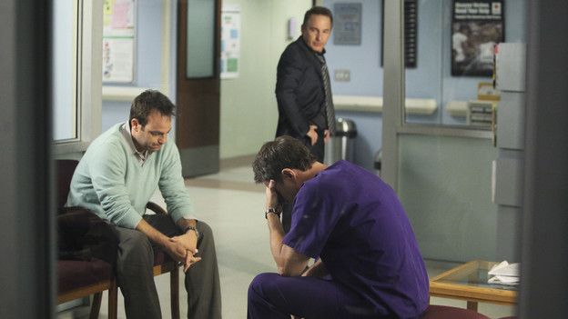 "PRIVATE PRACTICE - ""A Death in the Family"" - After Pete discovers Violet dying on the floor of her home, having barely survived a violent attack from her patient, Katie, he rushes her to the hospital where Addison and Naomi fight to save her life. Meanwhile, the whereabouts and condition of Violet's stolen baby are unknown, on the season premiere of ""Private Practice,"" THURSDAY, OCTOBER 1 (10:01-11:00 p.m., ET) on the ABC Television Network. (ABC/DANNY FELD)PAUL ADELSTEIN, BRIAN BENBEN, TIM DALY"