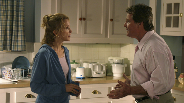 "DESPERATE HOUSEWIVES - ""YOUR FAULT "" (ABC/SCOTT GARFIELD) FELICITY HUFFMAN, RYAN O'NEAL"