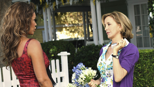 "DESPERATE HOUSEWIVES - ""Remember Paul?"" - The residents of Wisteria Lane are stunned to discover that Paul Young is out of prison and back in the neighborhood with an enigmatic new wife and seemingly dark motives. Meanwhile, while Paul is renting Susan's home, she, Mike and MJ are living in an apartment on limited funds. But Susan sees a glimmer of hope in getting her life back on the Lane when she's offered an unorthodox job by her apartment manager, Maxine (Lainie Kazan); Lynette's rich and successful college friend, Renee (Vanessa Williams), pays an unexpected visit to the Scavo household; Gabrielle and Carlos find themselves keeping secrets from one another; and Bree, newly single and needing a fresh start after selling her business, finds herself tempted by Keith (Brian Austin Green) -- the handsome, young handyman she's hired to update her house -- on the season premiere of ""Desperate Housewives,"" SUNDAY, SEPTEMBER 26 (9:00-10:01 p.m., ET) on the ABC Television Network. (ABC/RON TOM)VANESSA WILLIAMS, FELICITY HUFFMAN"