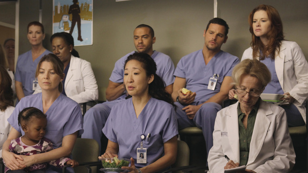 "GREY'S ANATOMY - ""This Magic Moment"" - The doctors split into teams for a risky surgery involving conjoined twins; Bailey recruits Meredith to be a buffer between her and Ben when he puts pressure on moving their relationship to a more serious level; Richard teaches Alex a tough lesson in the OR; meanwhile Teddy questions Cristina about what exactly happened to Henry during his surgery, on Grey's Anatomy, THURSDAY, JANUARY 12 (9:00-10:02 p.m., ET) on the ABC Television Network. (ABC/KELSEY MCNEAL) ELLEN POMPEO, SANDRA OH, JESSE WILLIAMS, JUSTIN CHAMBERS, SARAH DREW"