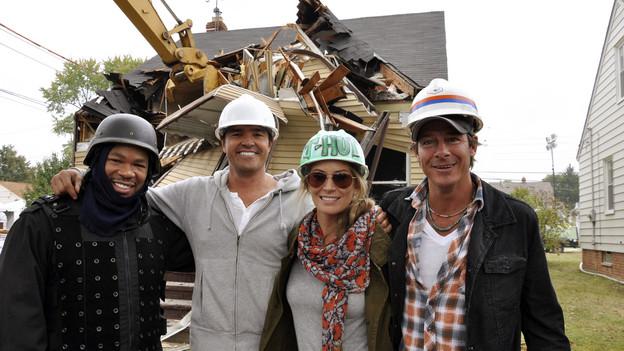 "EXTREME MAKEOVER: HOME EDITION - ""Anderson Family"" - Andre and Jasmine Anderson have never allowed their visual impairment to slow them down, but rather have faced it head on, and established the Disability Awareness Center in Maple Heights, Ohio, to help others who are struggling with sight loss. The couple and their sons learned they would be recipients of a home makeover while aboard the public bus that they ride every day. The ""EM: HE"" team surprised them on the bus and revealed plans to give them a new ""smart"" home, equipped with technologies that support people with disabilities. This episode of ""Extreme Makeover: Home Edition"" airs SUNDAY, DECEMBER 5 (8:00-9:00 p.m., ET) on the ABC Television Network. (ABC/MIKE CROUCH)XZIBIT, MICHAEL MOLONEY, TRACY HUTSON, TY PENNINGTON"