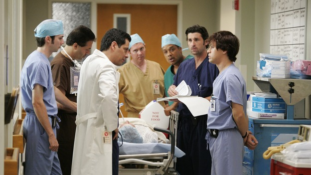 103277_6193 -- GREY'S ANATOMY - (ABC/CRAIG SJODIN)PATRICK DEMPSEY, T.R. KNIGHT