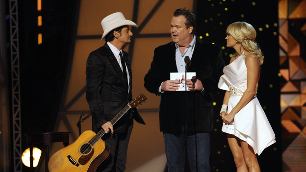"THE 45th ANNUAL CMA AWARDS - THEATRE - ""The 45th Annual CMA Awards"" broadcast live on ABC from the Bridgestone Arena in Nashville on WEDNESDAY, NOVEMBER 9 (8:00-11:00 p.m., ET). (ABC/KATHERINE BOMBOY-THORNTON)BRAD PAISLEY, ERIC STONESTREET, CARRIE UNDERWOOD"