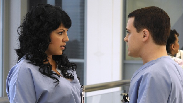"GREY'S ANATOMY - ""Let the Angels Commit"" -- Cristina scrubs in on the rare 'humpty dumpty' procedure, much to the envy of her fellow doctors, Alex questions his future medical specialty, George and Addison work with a pregnant woman with an unusual dilemma, and Derek receives a surprise visit from his sister, on ""Grey's Anatomy,"" THURSDAY, OCTOBER 26 (9:00-10:01 p.m., ET) on the ABC Television Network. (ABC/RICHARD CARTWRIGHT)SARA RAMIREZ, T.R. KNIGHT"