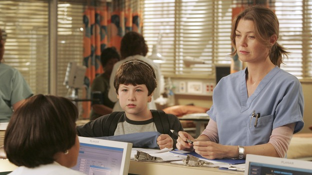  GREY'S ANATOMY - &quot;Haunt You Every Day&quot; (ABC/VIVIAN ZINK)CHANDRA WILSON, DYLAN MINNETTE, ELLEN POMPEO