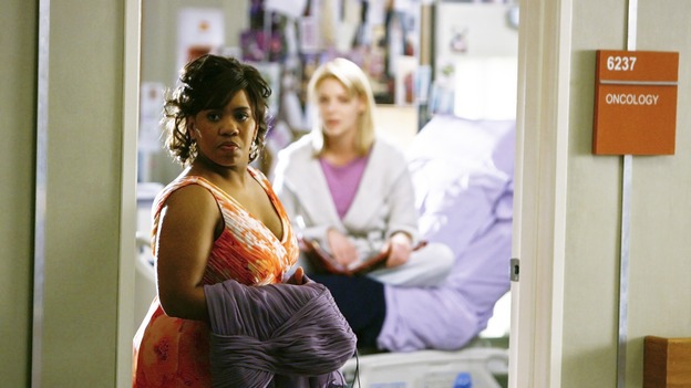 "GREY'S ANATOMY - ""What a Difference a Day Makes"" - Bailey has a surprise coming for Izzie, on ""Grey's Anatomy,"" THURSDAY, MAY 7 (9:00-10:02 p.m., ET) on the ABC Television Network. (ABC/SCOTT GARFIELD) CHANDRA WILSON, KATHERINE HEIGL"