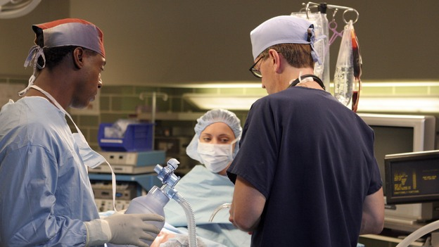 "GREY'S ANATOMY - ""It's the End of the World (As We Know It)"" (ABC/RICHARD CARTWRIGHT)ISAIAH WASHINGTON, CHRISTINA RICCI"