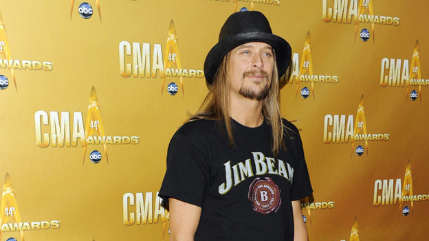 "THE 44TH ANNUAL CMA AWARDS - RED CARPET ARRIVALS - ""The 44th Annual CMA Awards"" will be broadcast live from the Bridgestone Arena in Nashville, WEDNESDAY, NOVEMBER 10 (8:00-11:00 p.m., ET) on the ABC Television Network. (ABC/ANDREW WALKER)KID ROCK"