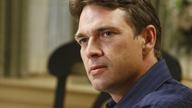 "DESPERATE HOUSEWIVES - ""No Fits, No Fights, No Feuds"" - Ian Hainsworth, on ""Desperate Housewives,"" SUNDAY, JANUARY 7 (9:00-10:01 p.m., ET) on the ABC Television Network. (ABC/RON TOM) DOUGRAY SCOTT"