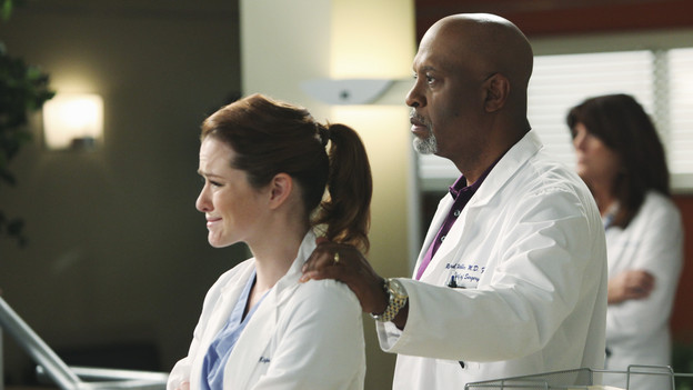 "GREY'S ANATOMY - ""Disarm"" - News of the incoming mass causalities after a gunman opens fire at a local college hits the staff hard when they must spring into action, even while their own wounds are still fresh; and Arizona does not receive a warm welcome home at the hospital, on ""Grey's Anatomy,"" THURSDAY, JANUARY 6 (9:00-10:01 p.m., ET) on the ABC Television Network. (ABC/ADAM LARKEY)SARAH DREW, JAMES PICKENS JR."