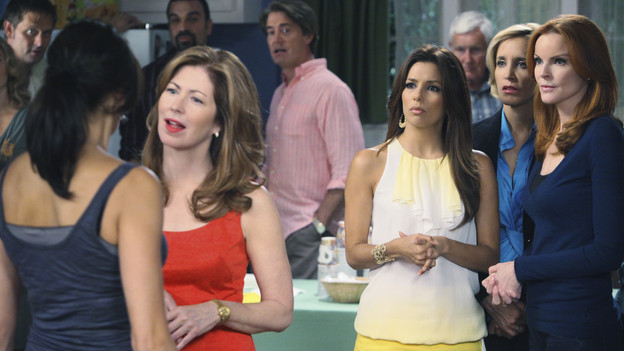 "DESPERATE HOUSEWIVES - ""Everybody Ought to Have a Maid"" - People are quick to pass judgment on others, on ABC's ""Desperate Housewives,"" SUNDAY, OCTOBER 25 (9:00-10:01 p.m., ET). When Juanita's party is on the verge of being ruined after Gaby is deemed a bad mom, Gaby is determined to prove she's a responsible parent; Bree gets defensive when she's judged by a motel maid for having an affair with Karl; Lynette is put off by her new handyman when he defers to Tom for approval on all things; and Susan and Katherine come to blows over Mike. Meanwhile, a lapse in judgment on Danny's part leads to a terrible mishap that Angie and Nick must cover up. (ABC/DANNY FELD)JEFFREY NORDLING, TERI HATCHER, RICARDO ANTONIO CHAVIRA, DANA DELANY, KYLE MACLACHLAN, EVA LONGORIA PARKER, ORSON BEAN, FELICITY HUFFMAN, MARCIA CROSS"