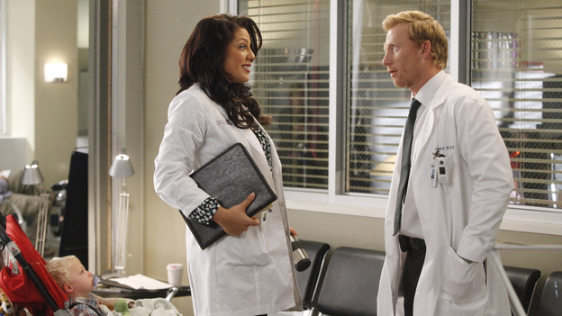 "GREY'S ANATOMY - ""If/Then"" - As Meredith puts Zola to bed and falls asleep, she begins to wonder -- what if her mother had never had Alzheimer's and she'd had loving, supportive parents? The reverberations of a happy Meredith Grey change the world of Seattle Grace as we know it. What if she had never met Derek in that bar and he had never separated from Addison? What if Callie and Owen had become a couple long before she met Arizona? And what if Bailey never evolved from the meek intern she once was? ""Grey's Anatomy"" airs THURSDAY, FEBRUARY 2 (9:00-10:02 p.m., ET) on the ABC Television Network. (ABC/VIVIAN ZINK)SARA RAMIREZ, KEVIN MCKIDD"