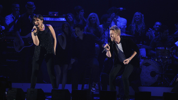 "THE 45th ANNUAL CMA AWARDS - THEATRE - ""The 45th Annual CMA Awards"" broadcast live on ABC from the Bridgestone Arena in Nashville on WEDNESDAY, NOVEMBER 9 (8:00-11:00 p.m., ET). (ABC/KATHERINE BOMBOY-THORNTON)HILLARY SCOTT AND CHARLES KELLEY OF LADY ANTEBELLUM"