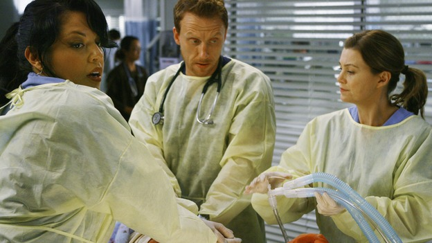 "GREY'S ANATOMY - ""Now or Never"" - Drs. Callie Torres, Owen Hunt and Meredith Grey work on patient ""John Doe,"" on ""Grey's Anatomy,"" THURSDAY, MAY 14 (9:00-11:00 p.m., ET) on the ABC Television Network. SARA RAMIREZ, KEVIN MCKIDD, ELLEN POMPEO"