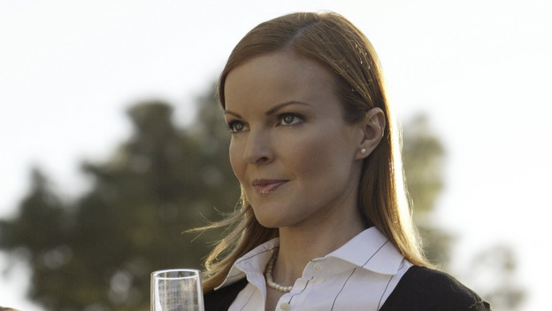 "100267_4988 -- DESPERATE HOUSEWIVES - (ABC/PETER ""HOPPER"" STONE)MARCIA CROSS"