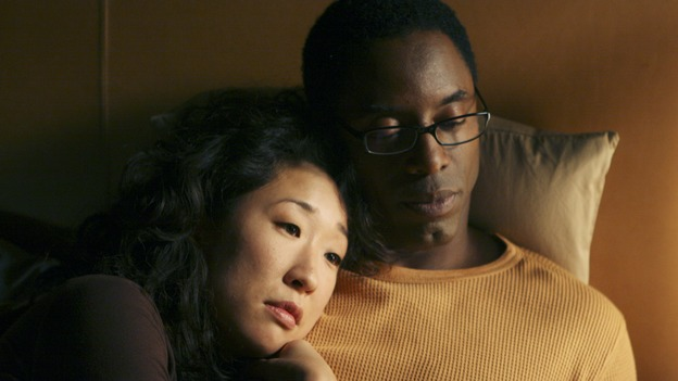 "GREY'S ANATOMY - ""Tell Me Sweet Little Lies"" (ABC/MICHAEL DESMOND)SANDRA OH, ISAIAH WASHINGTON"