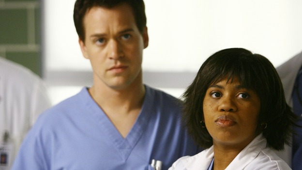 "GREY'S ANATOMY - ""Dream a Little Dream of Me"" - Dr. Miranda Bailey and Intern George O'Malley, on ""Grey's Anatomy,"" THURSDAY, SEPTEMBER 25 (9:00-11:00 p.m., ET) on the ABC Television Network. (ABC/SCOTT GARFIELD) T.R. KNIGHT, CHANDRA WILSON"