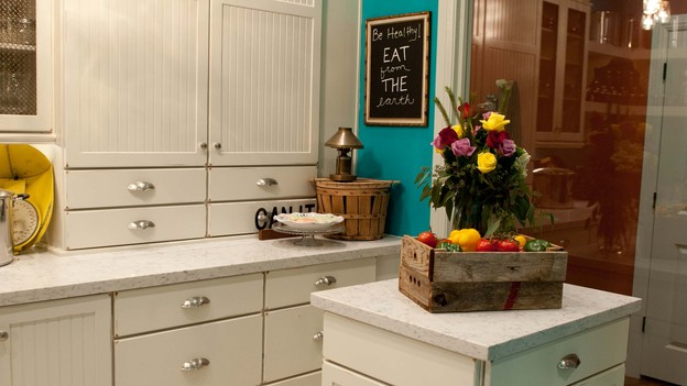 EXTREME MAKEOVER HOME EDITION - Kitchen Photo, &quot;Zdroj Family,&quot; on &quot;Extreme Makeover Home Edition,&quot; Monday, December 3rd (8:00-10:00 p.m. ET/PT) on the ABC Television Network.