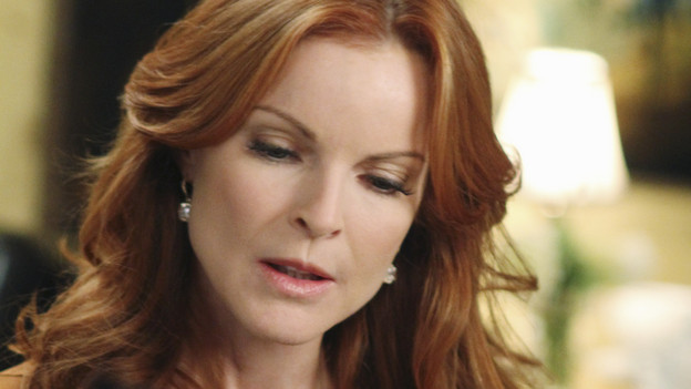 "DESPERATE HOUSEWIVES - ""A Humiliating Business"" - Susan begrudgingly accepts Lynette's offer to be baby Paige's nanny; Bree is embarrassed to tell Keith that she's beginning to go through menopause; Renee makes a tempting job proposition to Lynette; Gabrielle fears that Bob is trying to seduce Carlos after the two strike up a friendship; and Beth begins to question Paul's motives on the lane, on ""Desperate Housewives,"" SUNDAY, NOVEMBER 7 (9:00-10:01 p.m., ET) on the ABC Television Network. (ABC/RON TOM)MARCIA CROSS"