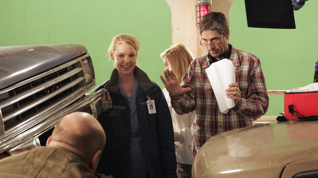 "GREY'S ANATOMY - ""Walk on Water"" - Producer/director Rob Corn (right) coaches Katherine Heigl (left) while shooting ""Grey's Anatomy."" (ABC/VIVIAN ZINK)"