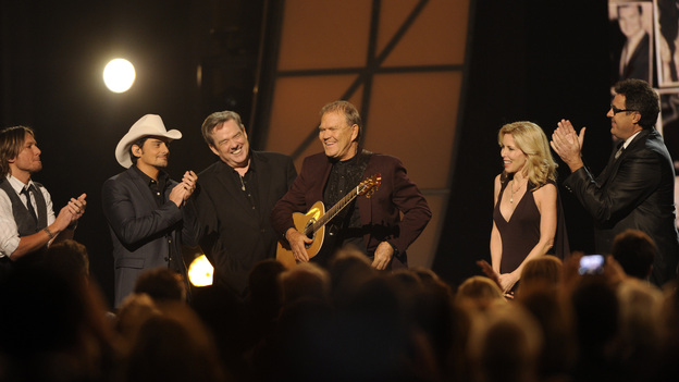 THE 45th ANNUAL CMA AWARDS - THEATRE - &quot;The 45th Annual CMA Awards&quot; broadcast live on ABC from the Bridgestone Arena in Nashville on WEDNESDAY, NOVEMBER 9 (8:00-11:00 p.m., ET). (ABC/KATHERINE BOMBOY-THORNTON)BRAD PAISLEY, KEITH URBAN, GLENN CAMPBELL, KIM WOOLLEN, VINCE GILL