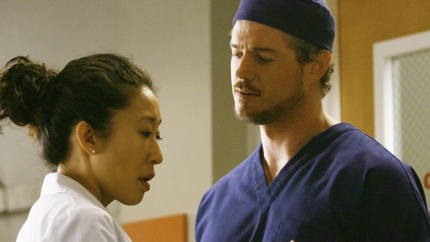 "GREY'S ANATOMY - ""Rise Up"" - Cristina talks to Mark before he goes into surgery, on ""Grey's Anatomy,"" THURSDAY, NOVEMBER 6 (9:00-10:01 p.m., ET) on the ABC Television Network. (ABC/SCOTT GARFIELD) SANDRA OH, ERIC DANE"
