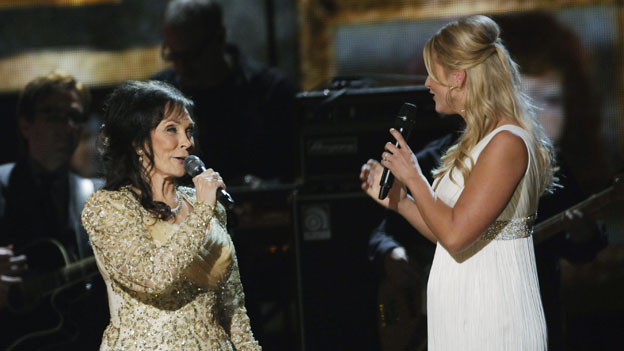 "THE 44TH ANNUAL CMA AWARDS - THEATRE - ""The 44th Annual CMA Awards"" were broadcast live from the Bridgestone Arena in Nashville, WEDNESDAY, NOVEMBER 10 (8:00-11:00 p.m., ET) on the ABC Television Network. (ABC/KATHERINE BOMBOY)LORETTA LYNN, MIRANDA LAMBERT"