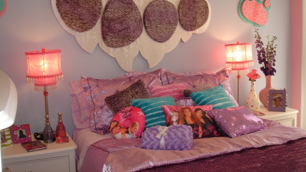 EXTREME MAKEOVER HOME EDITION - &quot;Jones Family,&quot; - Girl's Bedroom, on &quot;Extreme Makeover Home Edition,&quot; Sunday, April 8th on the ABC Television Network.