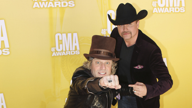 "THE 46TH ANNUAL CMA AWARDS - RED CARPET ARRIVALS - ""The 46th Annual CMA Awards"" airs live THURSDAY, NOVEMBER 1 (8:00-11:00 p.m., ET) on ABC live from the Bridgestone Arena in Nashville, Tennessee. (ABC/SARA KAUSS)BIG & RICH"
